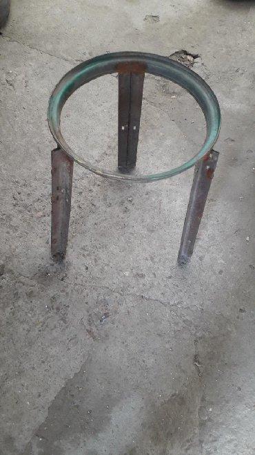 Аксессуары для кухни - Кыргызстан: Продам трёх ногу под казан. От края до края 36см.Цена 400с. Или сделаю