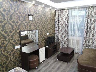 Продажа квартир - Лоджия застеклена - Бишкек: Индивидуалка, 1 комната, 43 кв. м Бронированные двери, Дизайнерский ремонт, С мебелью