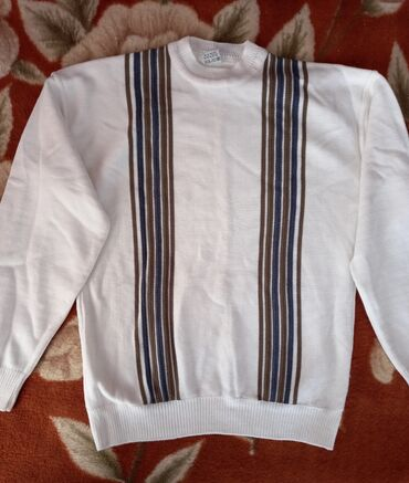 Мужской свитер в отличном состоянии
