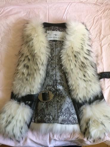 жилетка натуральный мех в Кыргызстан: Жилетка песец натуральный мех и натуральная кожа, размер44 М Цена