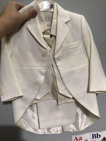 Продаю детские костюмы. Белый от 0,6 до в Бишкек