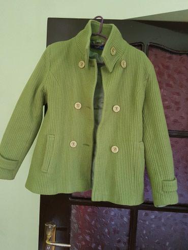 Тёплое б/у пальто в отличном состоянии,размер 42-44 в Лебединовка