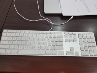 Bakı şəhərində Apple magic keyboard. Apple firmasinin klaviaturasi cox ideal veziyyet