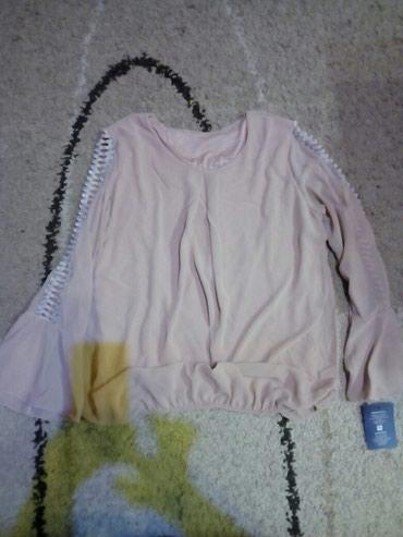 Bluza boja prljavo roza. rukavi su zvonasti, bluza ima gumu tako da - Pancevo