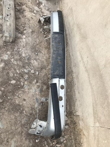 Продаю бампер передний на Е34 сломанный