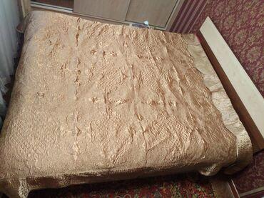 иранские покрывала в Кыргызстан: Продаю покрывало на кровать. 220*220 золотого цвета