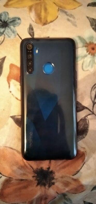 xiaomi 20800mah в Азербайджан: Realme 5 yeniden secilmir cox mukemmel veziyyetdedir herbir seyi var