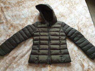 женские поло футболки в Азербайджан: Женская куртка почти новая. В дождливую погоду одеть удобно, плащевой