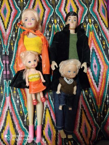 Семья кукол барби с детьми