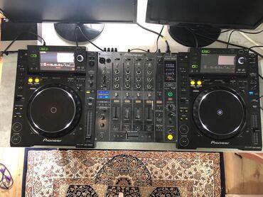 Динамики и музыкальные центры - Кыргызстан: Продаю комплект CDJ 2000 и пульт DJM 800 Состояние отличное, полностью