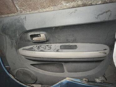 Toyota ist задний правый дверь комплект, передний только обшивка в