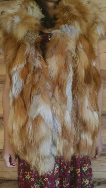 жилет лиса в Кыргызстан: Срочно продается жилет из лисьей шкуры, размер 46-48, 100% натуралка