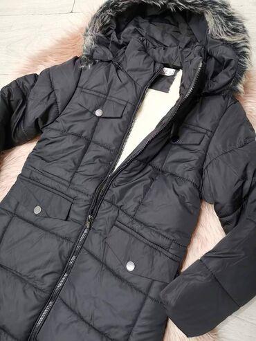 Zenska decija - Srbija: Decija zenska jakna 2.500 dinara Dimenzije: obim ramena 74cm, obim gr