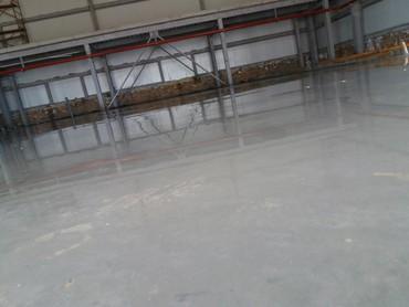 стяжка пола цена in Кыргызстан | БЕТОННЫЕ РАБОТЫ: Стяжка, промышленный бетонные полы с вертолетом залив,затирка