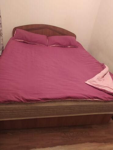 спальные кровати с матрасами в Кыргызстан: Продам спальный диван с выдвижными ящиками для белья, с корейским
