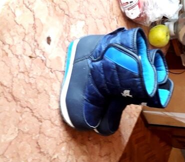 Много отличной детской обуви. На 2 - 3 - 4 года. Цены договрные