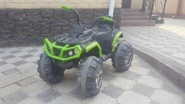 Детский квадроцикл в хорошем состоянии требуется замена аккумулятора