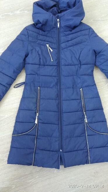 Куртки - Лебединовка: Куртка в хорошем состоянии примерно на 10 лет отдам за 500 сом