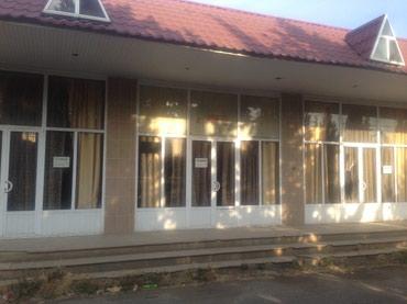 Gəncə şəhərində Samux rayonunun merkezi kucesinde obyekt icareye verilir.. 100kv m2
