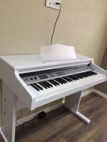 Пианино, фортепиано - Азербайджан: Əla veziyetde Miles markalı piano 5 oktava 61 klaviatura 100 ritm