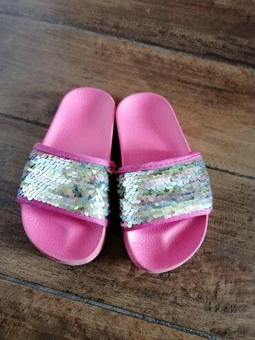 Papuce OVS i H@M sandale br. 27. Papuce su kao nove, a sandale su