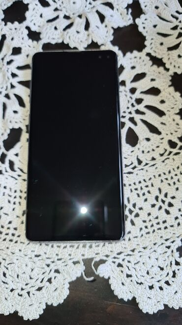 Mobilni telefoni - Sabac: Upotrebljen Samsung Galaxy S10 Plus 128 GB crvena