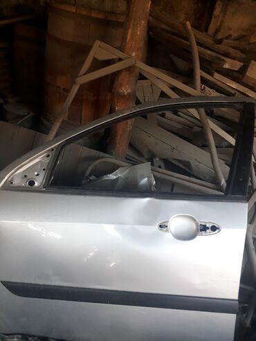 zapchasti ford focus 2 в Кыргызстан: Дверь на форд Фокус водительская