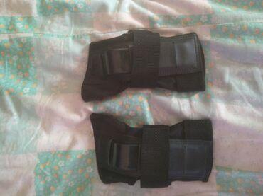 Sport i rekreacija - Kikinda: Na prodaju sparing rukavice rukavice su malo koristene za vise