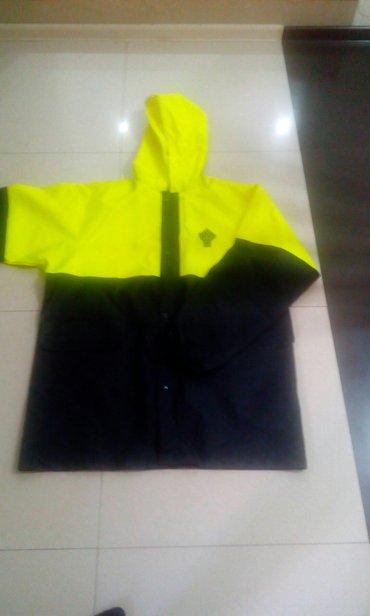 продаю комплект непрокаемый (комбинезон, жилет тёплый, куртка)-цена 37 в Бишкек