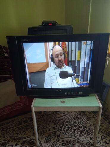 ТВ и видео - Кыргызстан: Большой телевизор 72см лж. Показывает и работает отлично адрес