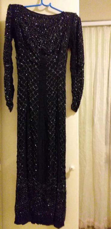Ženska odeća | Borca: Prodajem večernju haljinu sa sljokicama duga sa velikim slic korišćeno