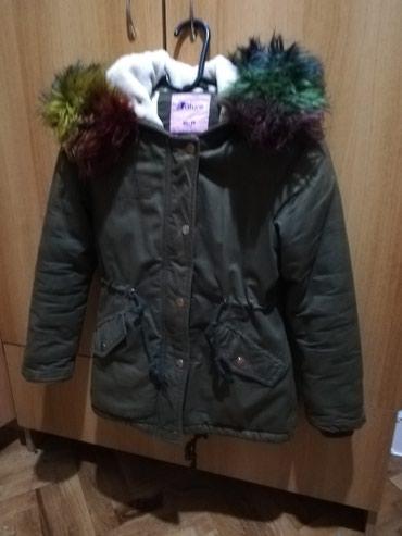 Jakna zimska za devojcice, sa velikim sarenim krznom, velicina 10-11 - Belgrade