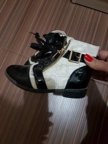 аккуратные ботиночки в Кыргызстан: Ботиночки на девочку