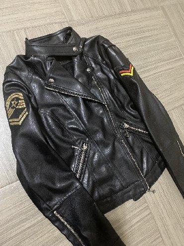 весенние куртки для девушек в Кыргызстан: Мягкая ЭКО кожа размер s. Не нош