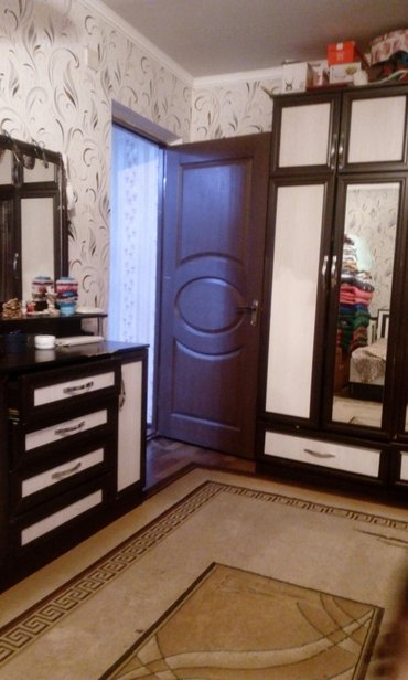 2х ком квартира 104 серии. кирпич дом. 5/5, в Бишкек