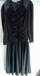 Zenski stofani vuneni mantic tsmno braon - Srbija: Prodajem prelepu svečanu crnu haljinu.  Veličina: 2XL Slanje: PostExpr