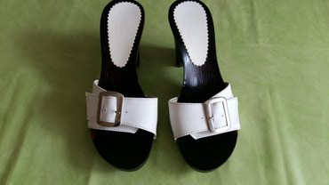 Zenske papuce br. 39 polovne i ocuvane bez ostecenja - Petrovac na Mlavi