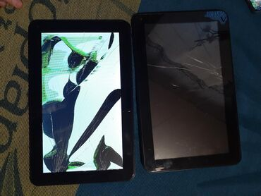 Tableti - Srbija: Dva tableta 10inci razbijeni ekrani jedan se upali,drugi neki put oba