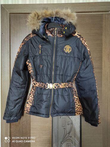 Фирменная куртка на 10_11 лет почти новая особо не носили
