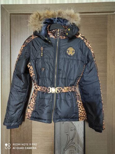 v otlichnom sostojanii botinki в Кыргызстан: Фирменная куртка на 10_11 лет почти новая особо не носили