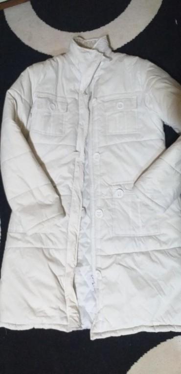 Jakna dugacka vel.XL odlicno ocuvana bela jakna zimska punjena iznutra - Bujanovac