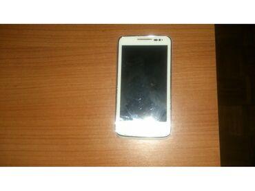 Elektronika | Bela Crkva: Bluetooth B020261 Vodafon Smart Mobilni Telefon kamera 5mpx na oko u