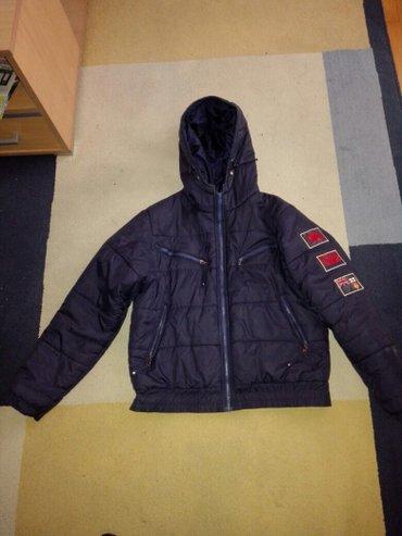 Muska decija jakna velicina m teget boje klinac nosio jednu sezonu - Belgrade