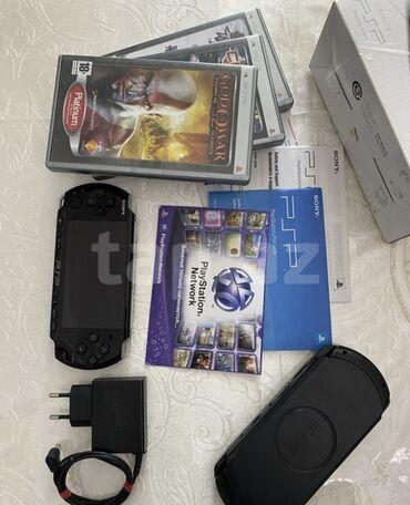 videokamera sony handycam в Азербайджан: Yeni kimidir. uzun muddet istifade olunmadigi ucun batareyasi islemir
