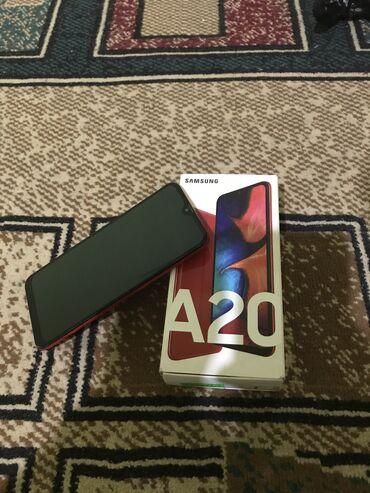 Телефон бишкек купить - Кыргызстан: Куплена 2 месяца назад продаю свези с покупкой новой телефона каропка
