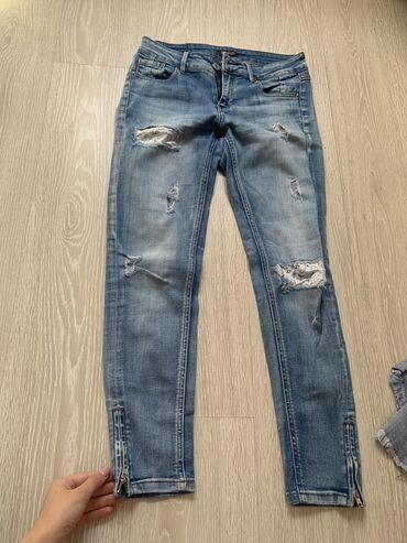 По 1000 с за каждую вещь брала гораздо дороже, джинсы все турецкие
