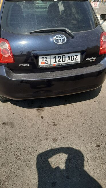 Toyota Auris 1.6 л. 2008   125000 км