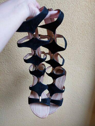 Ženska obuća | Stara Pazova: Sandale su polovne,ni jednom nisu nosene kao nove su.Crne bojebroj