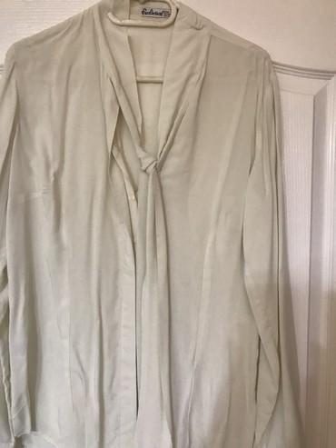 Bluza sa rukav - Srbija: Prelepa nova svilena bluza sa masnom koja se vezuje oko vrata velicina
