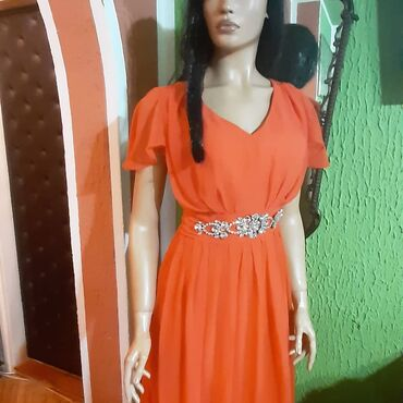 Crvena svecana haljina,nova,sa kristalima n a pojasu vel xl